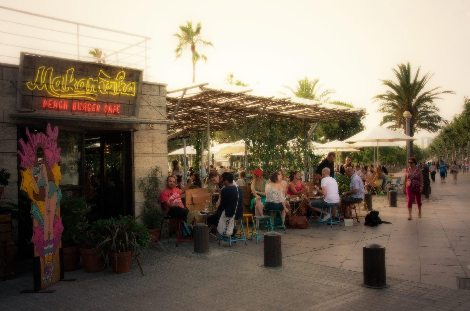 Makamaka Beach Burger Cafe Barcelona Spain